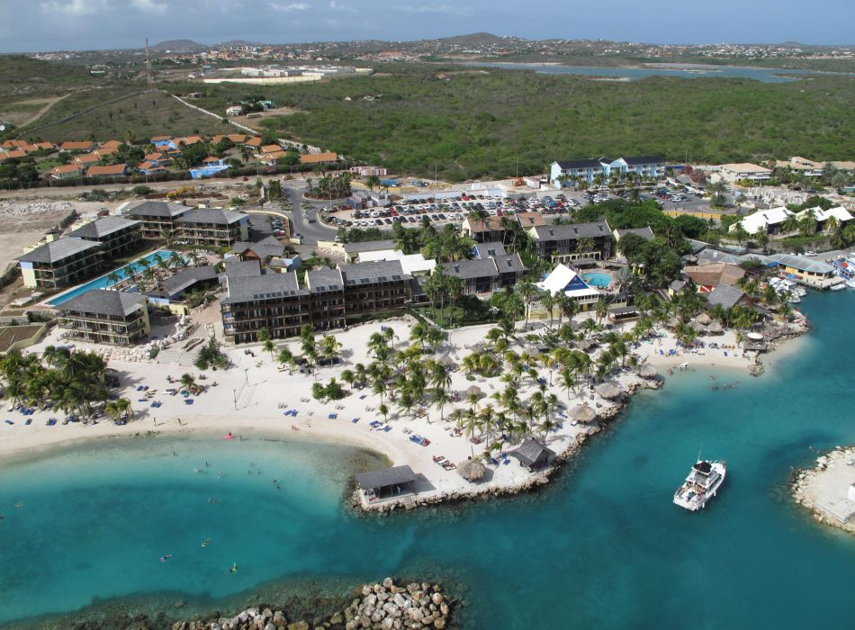 Curacao hotel onze ligging lions dive beach resort - Lions dive hotel curacao ...