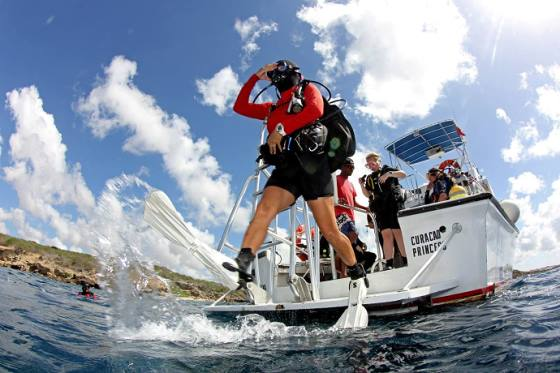 Diver jumps from the boat