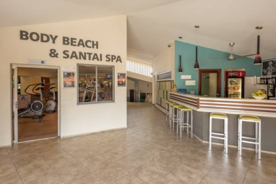 Entrada a Body Beach y Santai Spa